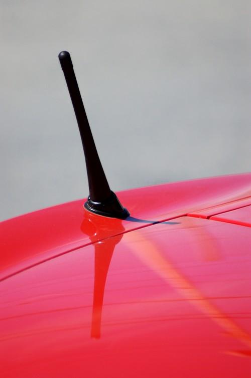 Anschließen der Antenne an das Radio. Reparatur von Auto, Motorrad ...